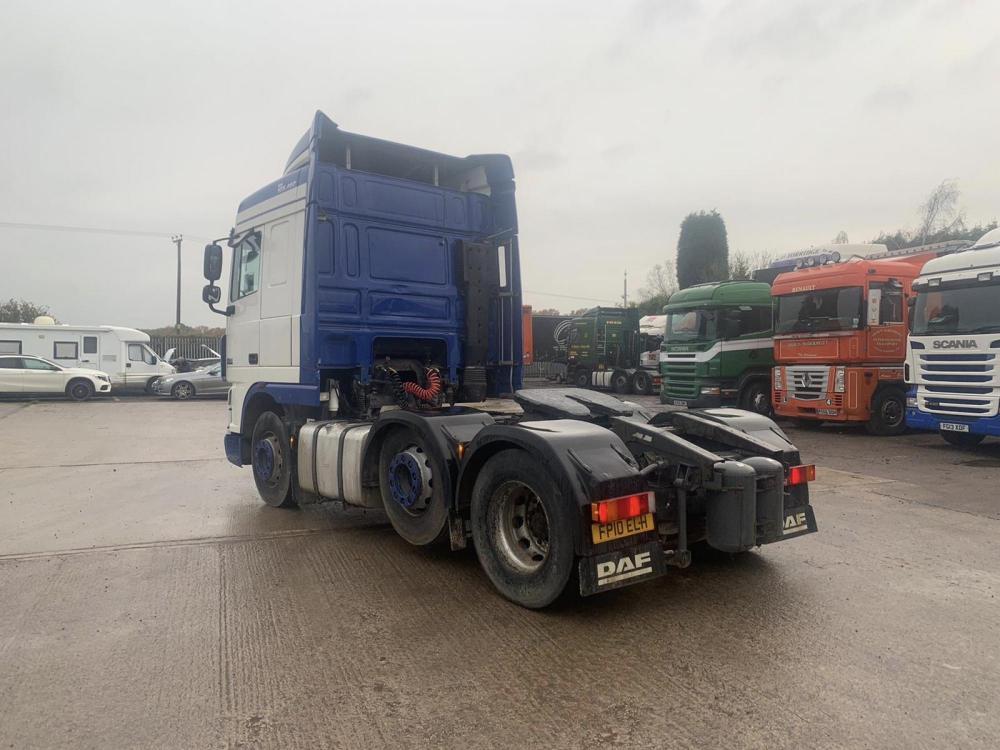 daf xf 105 460 6x2 midift axle space cab sliding 5th wheel