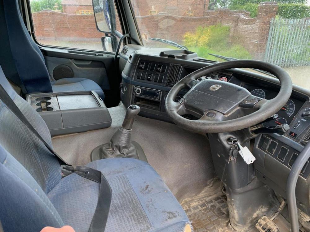 Volvo FM380 8x4 Steel Bodied Tipper Manual Gearbox 2007 57 Reg for