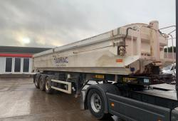 Wilcox<br>Tri Axle Tipping Trailer Mercedes Axles Approx. 51cby Year : 2012