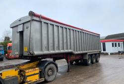 Montracon<br>Stepframe Tri Axle Tipping Trailer on board weigher  Year : 2008