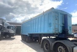 Weightlifter<br>Tri Axle Bulk Tipping Trailer Approx. 60 Cubic Yard Year : 1994