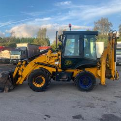 JCB 2CX Streetmaster 4x4 Extending back arm Year : 2011