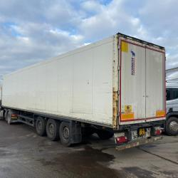 Schmitz 13.6m Length 4m Height  Tri Axle Box Trailer Year : 2008